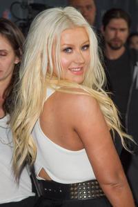[Fotos+Videos] Christina Aguilera en la Premier de la 4ta Temporada de The Voice 2013 - Página 4 Th_986085654_Christina_Aguilera_72_122_181lo