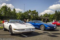 th_540729653_Chevrolet_Corvette_C4_Convertible_et_C5_Z06_122_394lo