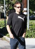 David em um almoço com um amigo no Avotre Sante em Brentwood - CA Th_38968_David_Duchovny_out_and_about_in_LA_CU_ISA_04_122_686lo