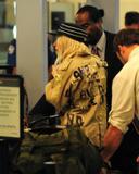 Lady Gaga - Página 3 Th_16124_Preppie_-_Lady_Gaga_departs_LAX_Airport_-_October_19_2009_874_122_913lo
